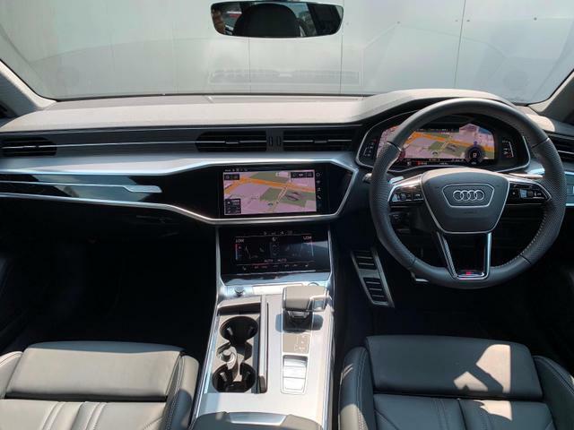 弊社グループ全国8店舗(Audi Approved Automobile有明・世田谷・調布・豊洲・みなとみらい・堺・箕面・大阪南)の車両はすべて当店でご案内可能です。店舗間の輸送費用はサービスさせていただきます。