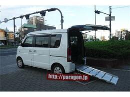 スズキ エブリイワゴン 660 ウィズ 車いす移動車 リヤシート付 電動固定式 4WD 4人乗