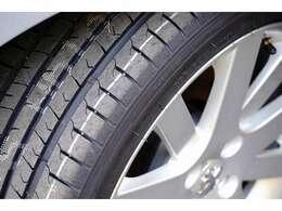 赤黒レザー タイヤ4本新品5速MTターボ禁煙