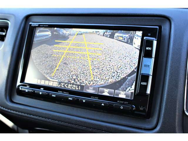 【バックカメラ】便利なバックカメラ装備で安全確認を頂けます。駐車が苦手な方にもオススメな便利機能です♪