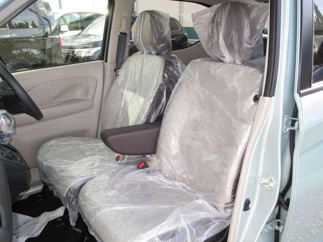 運転席&助手席にシートヒーター付き!