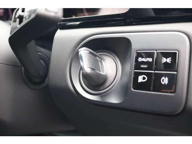 ポルシェ エントリー&ドライブを搭載!キーを携帯したままドアノブに手をかざすとドアの施錠・開錠が行えます!
