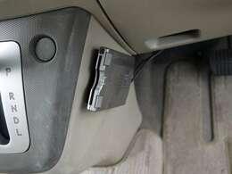 ■ETC車載器。ETCカードを挿入すれば高速道路もラクラク