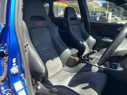 STIバケットシート フロントSTIエアロ STI18インチアルミホイール STIタワーバー 6MT ETC フルセグ スペアキー