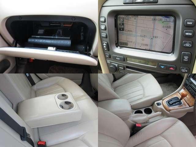 人気のジャガーAWDセダンのDVDナビ装備ベージュ本革でハイクラスコンパクトセダンです、、!!