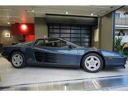 このようなお車まず出ないと思います。外装/内装新車の雰囲気を保っております。