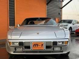 昭和62年式(1987y)ポルシェ944!正規ディーラー車!左ハンドル!後期モデル!走行距離30900km!ノーマル車両!ポルシェ911黒本革パワーシート付!