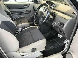 使用頻度が一番多い運転席ですが、シートの擦れやへたりなどなくすごく状態がいいです。
