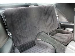 シートの質感と座り心地は最近の車では味わえません