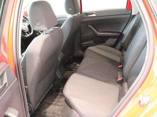 最新の人間工学によって細部にまでこだわって作られたシートは、フィットする適度な硬さのシートとなり、乗員の快適さの為に計算されたシートになります。