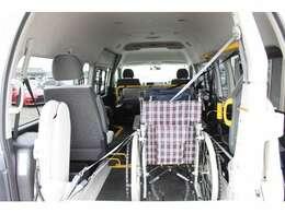 天井高が高くリクライニングや電動等、様々な車いすに対応が可能です〇