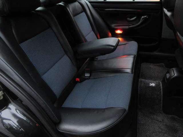 後席シートもキレイ♪シミや汚れ、へたり、たばこの焦げ穴等はありません♪納車までもスピーディー♪ご希望の日にち等ありましたらお気軽にご相談ください♪