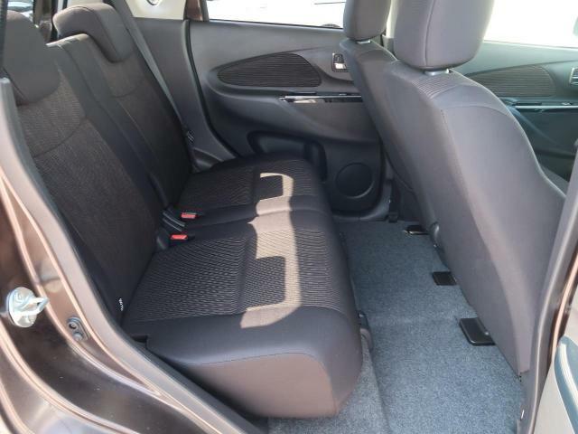 『セカンドシートも使用感が少なくキレイな状態です!大人でも快適に乗って頂けます♪』