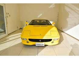 2001年に日本で登録をされています。新車並行の車両となります。