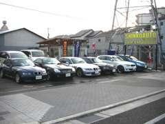 尼崎店は高品質コンパクト輸入車専門店。メカニック常駐店ですので国産~輸入車迄ドレスUP・改造のご相談もOKです!