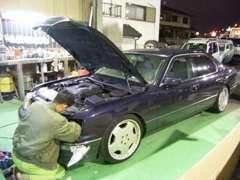 納車整備や車検整備、大掛かりな修理までここで行います!