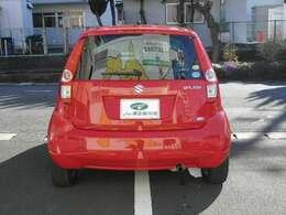 お車を当社に搬入後に当社社員がお車の状態、品質を確認してからの展示となりますので、ご来店時にはお客様にお車の状態をご説明が可能です。