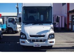 車体寸法:長さ504cm 幅177cm 高さ262cm 車両総重量:3160Kg 積載700Kg