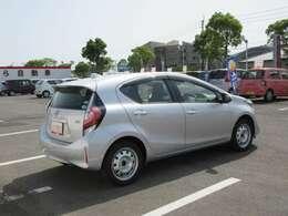 当社は全部の届出済・登録済未使用車にメ-カ-の新車保証をお付けして販売致しております万が一のトラブルも全国ディ-ラ-店で保証対応可能です