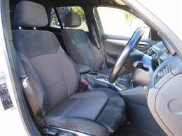 1オーナー・iDriveナビ・DVD再生・MSV・USB・AUX・ルームミラー型ETC・オートライト・スマートキー・本革巻ステアリング・純正18インチAW・HIDライト・フロントフォグ・ルーフレール