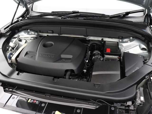254ps/350Nm(カタログ値)を発生するツインスクロールガソリンターボエンジンが、力強い走りを実現。アイシン製8段ATとの組み合わせで、最 高水準の効率性と意のままの走りを両立します。