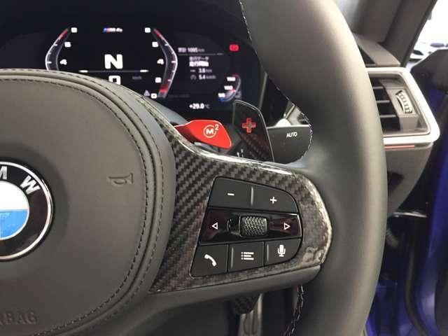 【パドルシフト付】Mマルチステアホイルに付随する「パドル・シフト」F1マシン感覚でシフトチェンジが可能となりよりドライビングの楽しさを演出します