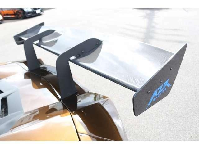 リアウイングにはカーボンウイング装備!!カーボンパーツが多く使用されております!