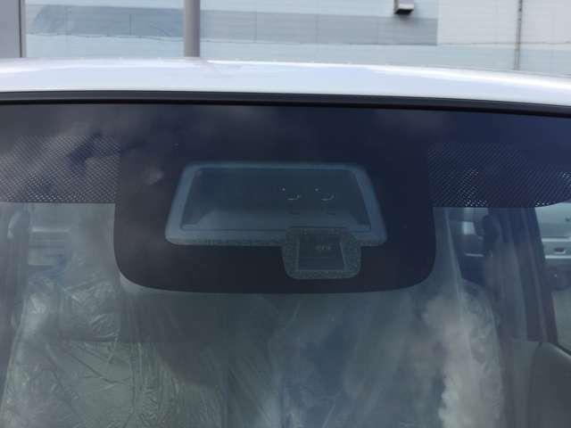 単眼カメラとレーザーレーダーで前方の車両や歩行者を検知し、さまざまなシーンで安心・快適な運転を支援します♪