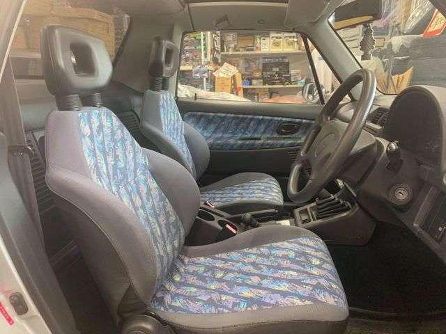 フロントシート綺麗です!2シーターが素敵過ぎます!