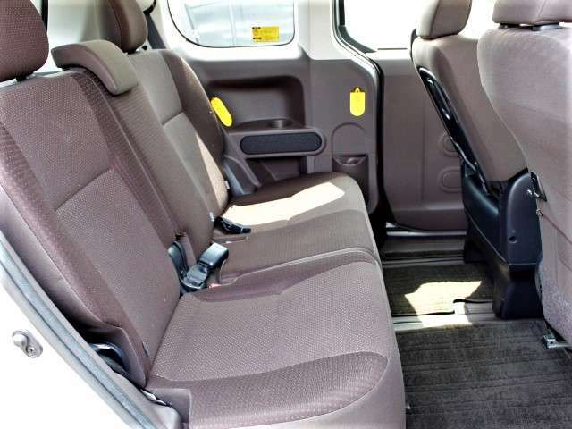 ★2列目後席シート画像★保証も充実させてい御客様向けにカーセンサーアフター保証をご用意しております。1年から3年まで別途費用は掛かりますが、お勧めの充実保証です。是非車両と合わせてご検討ください!