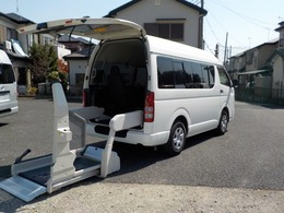 トヨタ ハイエースバン 2.0 ウェルキャブ Bタイプ ロング Bタイプ8+2基・左自動ドア・2WDガソリン