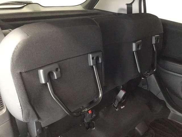 シートアレンジも簡単にできます!リアシート座面を両方跳ね上げた状態です。背の高い荷物も気軽に積み込む事ができますよ。工夫次第でいろいろ便利に使えます。