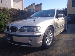 BMW 3シリーズ 320i スポーティダイヤモンド 500台限定インディビジュアルカラー