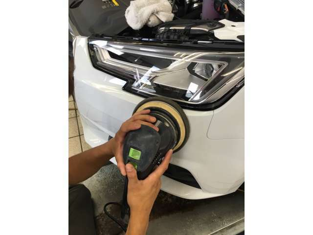 Bプラン画像:●輸入車独特の艶感がより際立ちます。汚れがつきましても落としやすくなります。