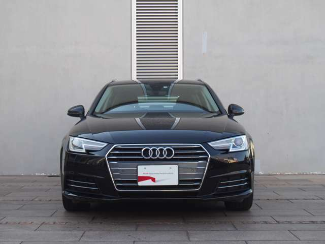《Audi認定中古車》■エクステリア ミリ単位の誤差をも許さない精密なプレス加工。独自のゼロギャップジョイント工法によるレーザー溶接などにより、細部に至るまで美しさと耐久性を追求したボディです。