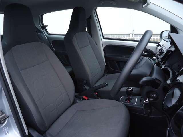 シートも非常に清潔なお車です。