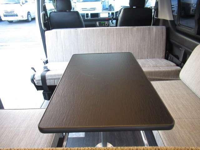 後席は対面座席として使用可能です!使い勝手◎です♪