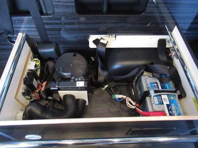 サブバッテリー、走行充電、外部電源装備済みです!追加架装もお任せ下さい♪