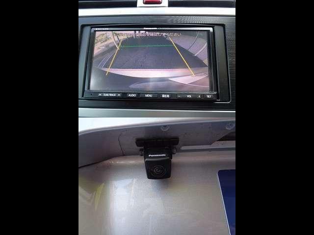 車庫入れの苦手な方でも大丈夫、バックカメラ付きでわかりやすい