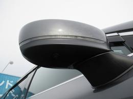 ドアミラーウインカーは、格好良さだけではなく対向車両からの視認性もよく安全に走行する為の安全装備のひとつです。