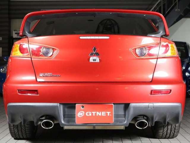 程度良好!!綺麗な赤い車体が特徴的なおクルマです!!