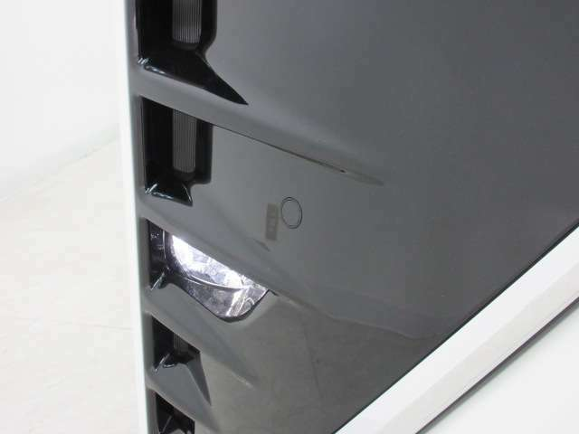 インテリジェントクリアランスソナー[パーキングサポートブレーキ(静止物)]付き!アクセル・ブレーキペダル操作に関係なく、低速取り回し時における衝突回避、または衝突被害の軽減に寄与するシステム。