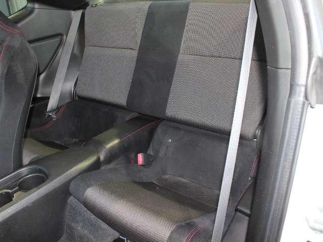 後部座席も状態良好!