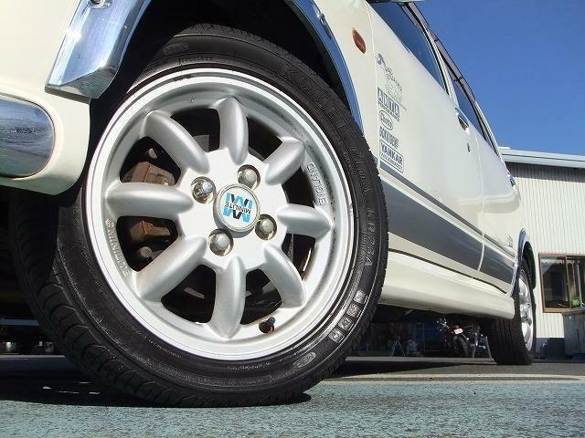 軽トラ、保冷車、軽ダンプ、キャンピングカーなど商用車も多数展示しております。コアラクラブ大津店としてオートリースも好評取扱中!