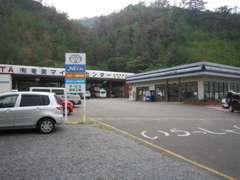 トヨタカローラ鹿児島・ネッツトヨタ鹿児島・南九州スバル自動車からサービス指定工場として認定して頂きリコール作業も行います