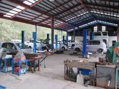 指定工場の為多くの修理や車検などをお引き受けさせて頂いております☆納車前にもプロの整備士が安心安全点検♪