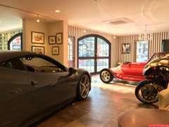 ショールームは常時3~5台の車両を入れ替わりで展示しています