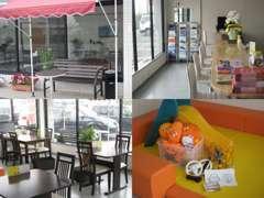カフェをコンセプトにした店内にはキッズスペースもご用意しております。お子様連れでもお気軽にご来店下さい。