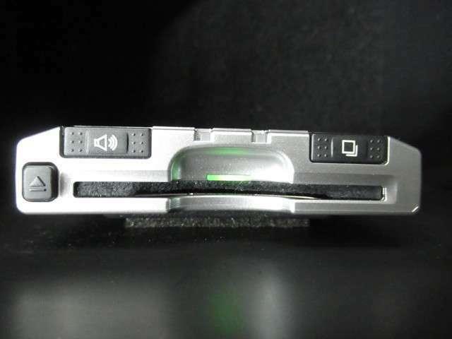 こちらのRAV4にはETCも付いています。インターチェンジもスイスイです。ETCカードの準備も忘れずに。