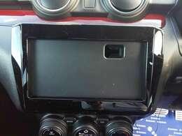 オーディオレスですのでお好きなナビやCDプレーヤーの搭載ができます。
